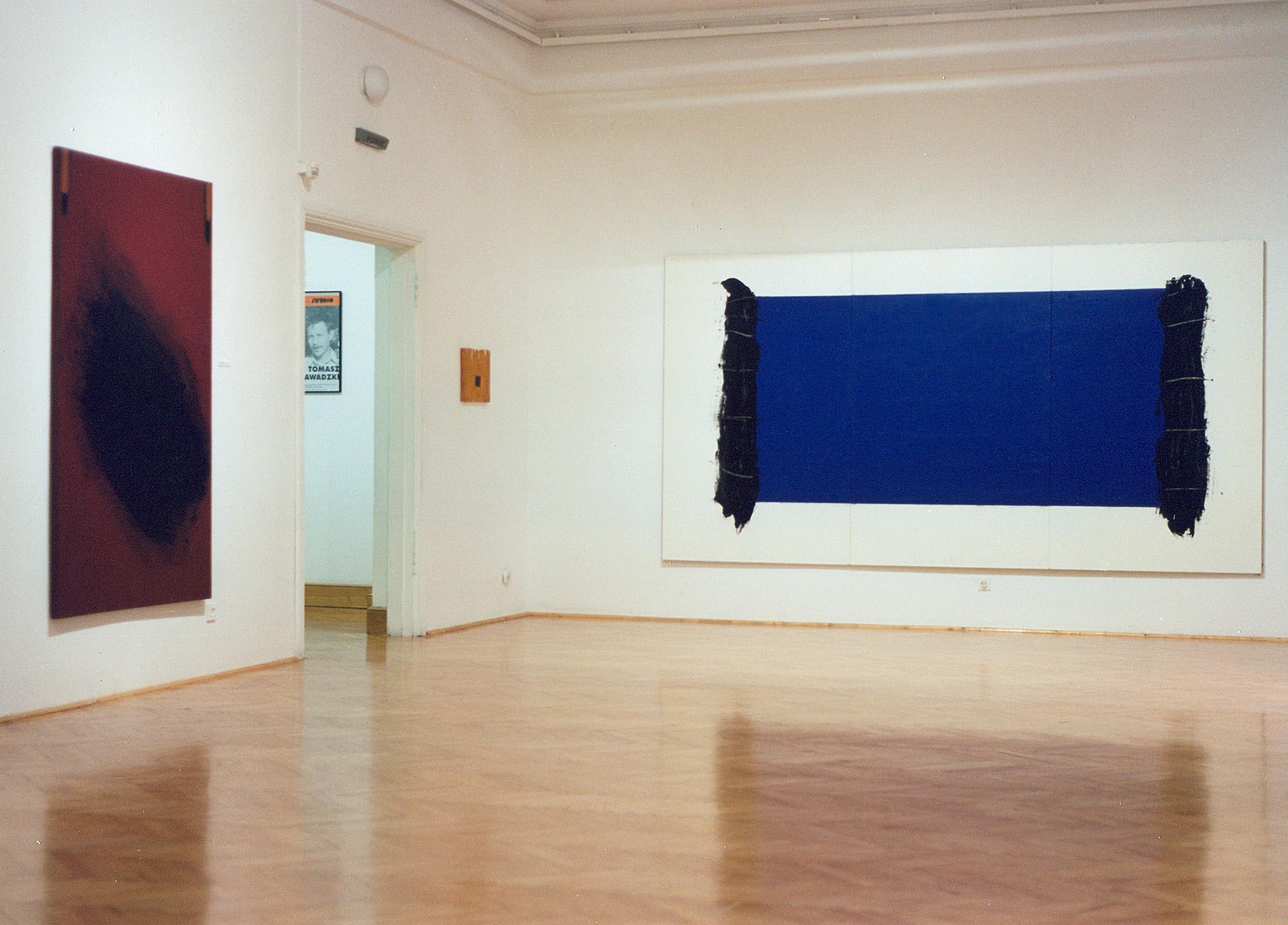 Tomasz Zawadzki, widok z wystawy indywidualnej, Galeria Studio Warszawa,1998