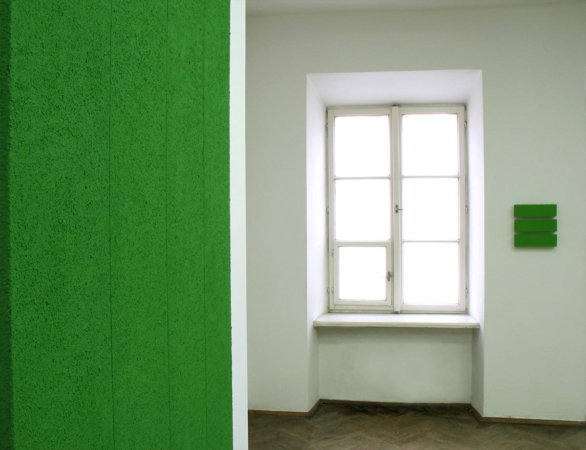 Tomasz Zawadzki, widok z wystawy indywidualnej - Plus minus nieskończoność, Galeria Grodzka BWA, Lubin,2006